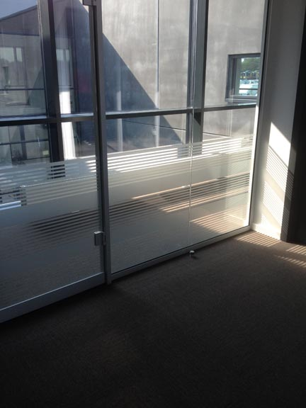 Ny Frostet folie på vinduer – HS – Skilte TN17